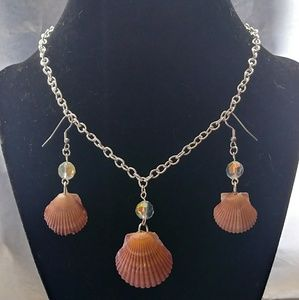 Jewelry - Scallop Seashell Necklace & Earring Set